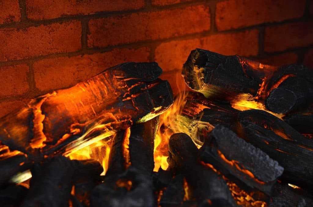 Декоративные дрова для камина с подсветкой