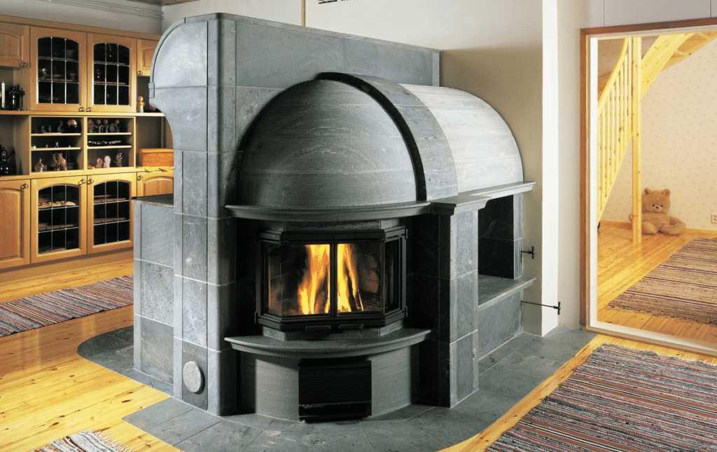 камин с плитой