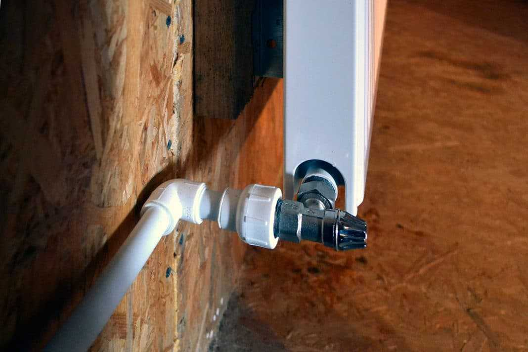 Кран для нижнего подключения радиатора