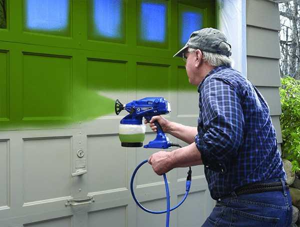 Покраска гаража краскопультом