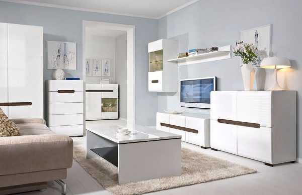 Белая расцветка мебели стала использоваться сравнительно недавно