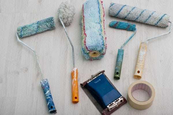 Инструменты, необходимые для покраски окна