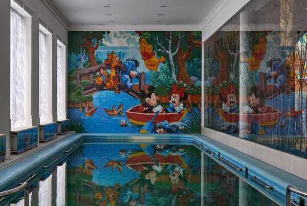 Бассейн для детей в загородном доме Киркорова