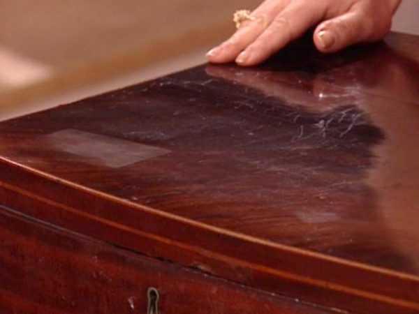 Царапины и потертости на деревянной мебели