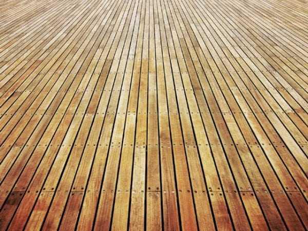 Пол изготовленный из дерева