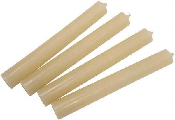 Для полировки мебели можно использовать парафиновые хозяйственные свечи