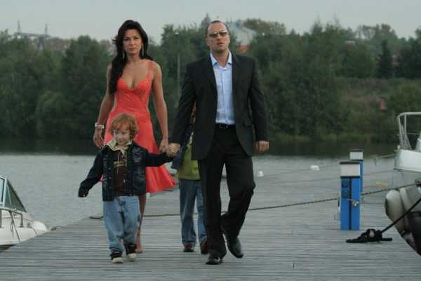 Дмитрий Нагиев с женой и детьми