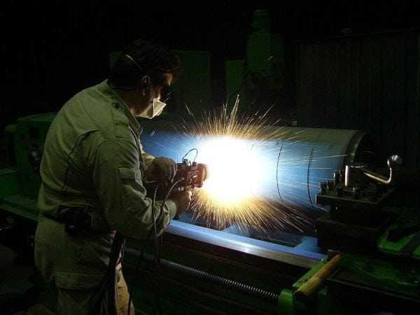 Процесс высокотемпературного плазменного напыления металла