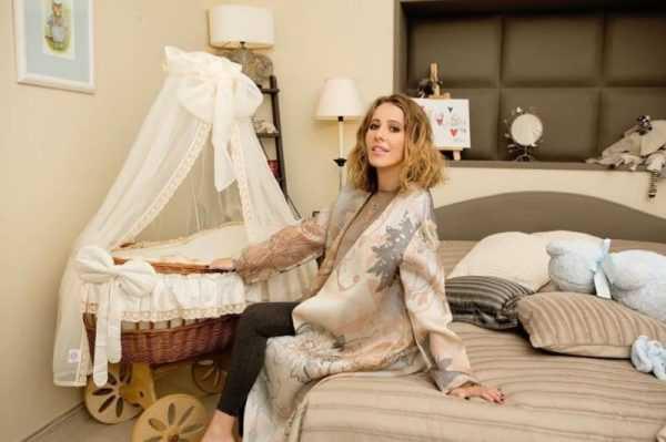 Ксения Собчак в своей спальне