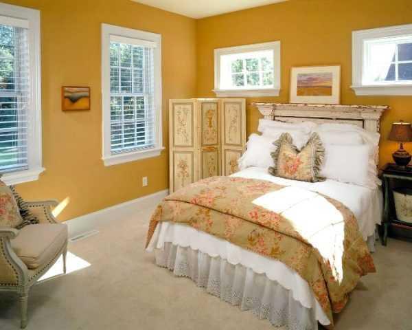 Горчичная спальня