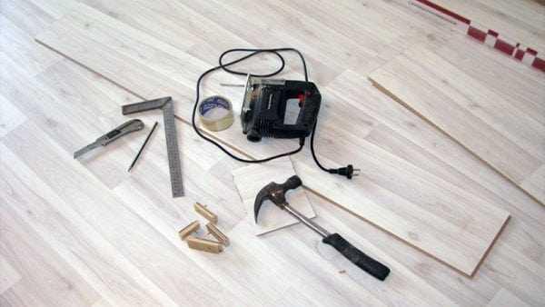 Инструменты для укладки ламинированного паркета