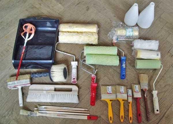 Инструменты для покраски обоев