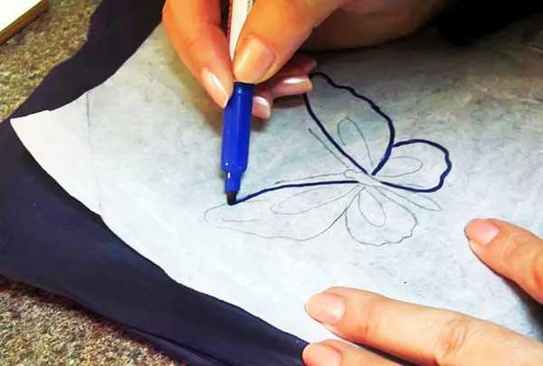 Перенос рисунка на ткань с помощью копировальной бумаги