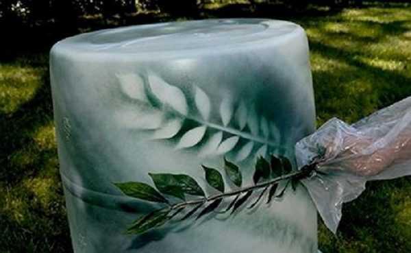 Использование ветки с листьями