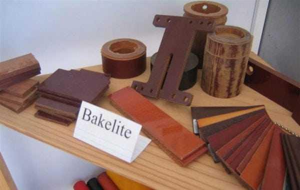 В процессе производства фенолформальдегидных смол таже можно получить бакелит
