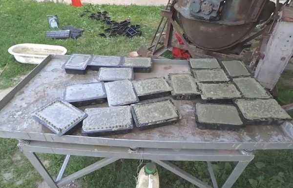 Изготовление бетонной плитки на вибростоле