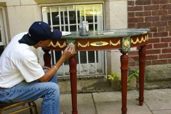 Окрашивание стола своими руками