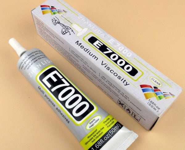 Клей Е7000 подходит для склеивания керамических изделий