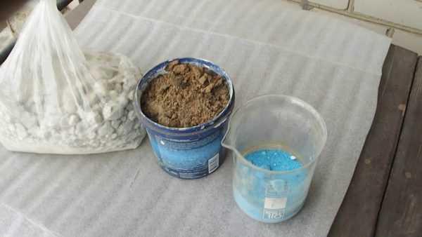 Компоненты для приготовления побелки