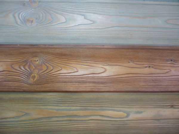 Окрашенная деревянная поверхность