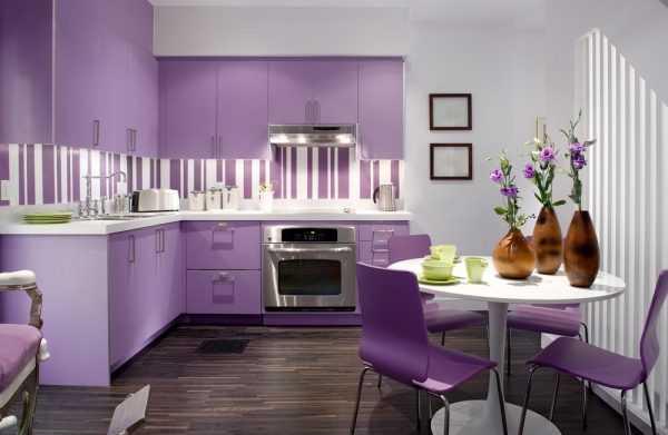 Кухня в сиреневом цвете