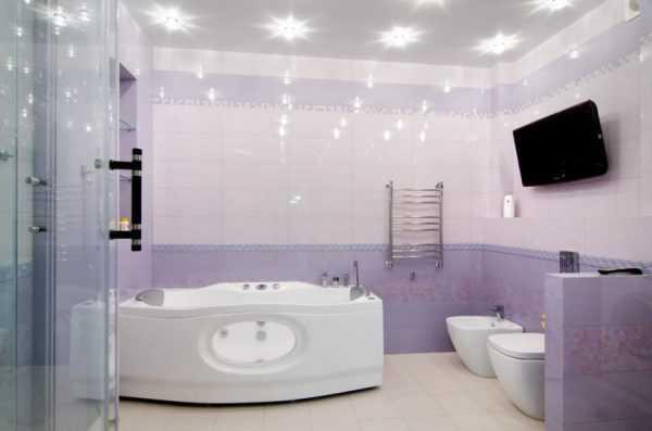 Лавандовый часто используется для оформления ванной комнаты