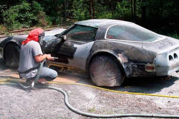 Пескоструйная обработка кузова автомобиля