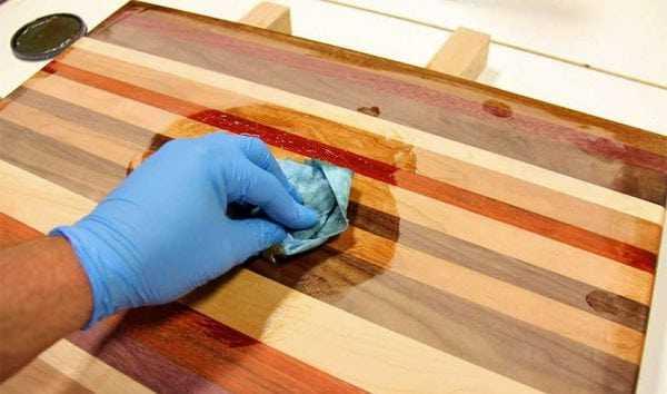Защита деревянной поверхности маслом
