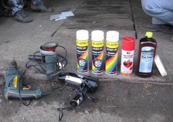 Материалы и инструменты для покраски аэрозолями