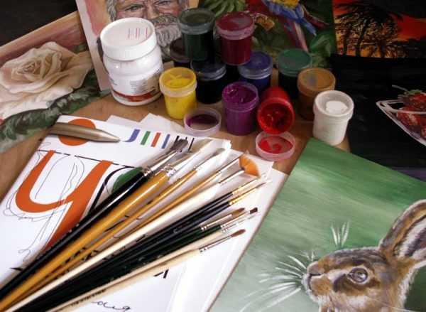 Гуашевые краски разбавляются водой и быстро сохнут