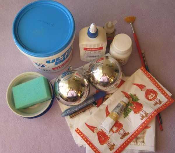 Материалы для росписи новогодних шаров