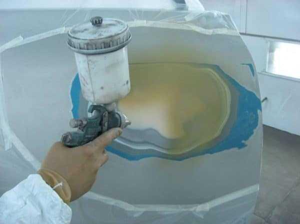 Место дефекта необходимо загрунтовать перед покраской