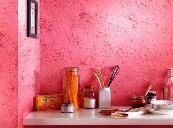 Мозаичная краска на стене