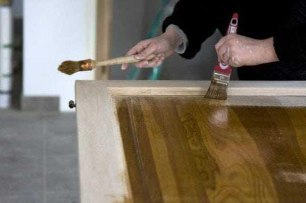Лак ХВ-784 подчеркивает естественный цвет древесины