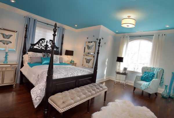 Небесный потолок в спальне