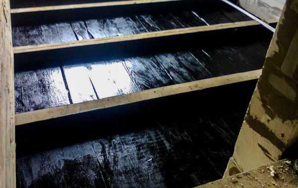 Обработка древесины битумной мастикой