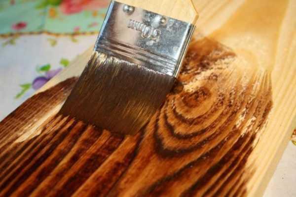 Обработка дерева рустикальной морилкой
