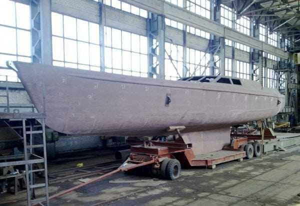 Грунт ЭП-057 используют для обработки металлических поверхностей морских и речных судов