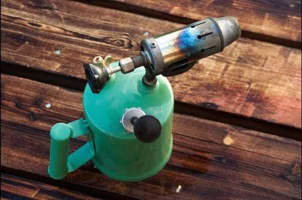 Паяльная лампа для обжига и браширование дерева