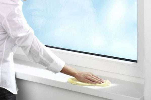 Cosmofen применяется для очитски пластиковых рам и подоконников