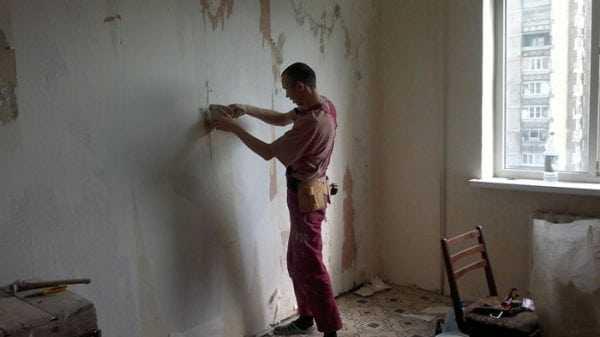 Очистка стен перед покраской силикатной краской