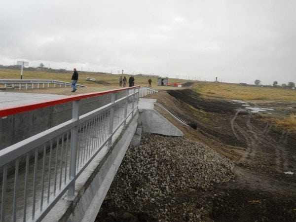 Ограждение моста защищено от атмосферных воздействий ГФ-021