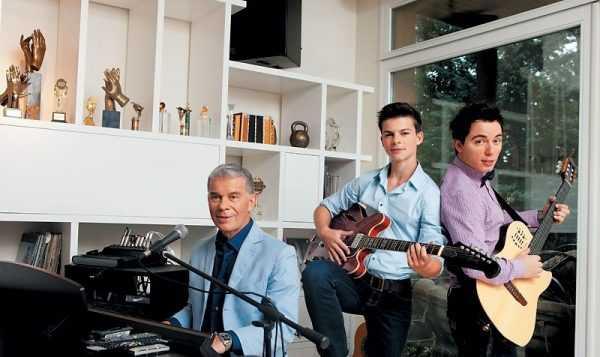 Олег Газманов с сыновьями Филиппом и Родионом