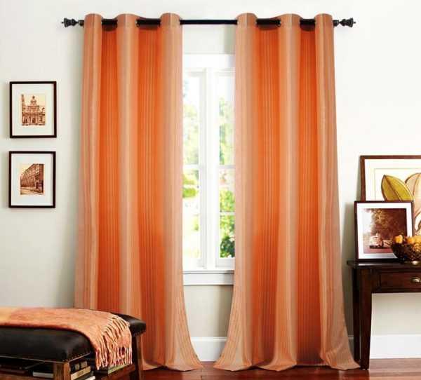 Однотонные персиковые шторы
