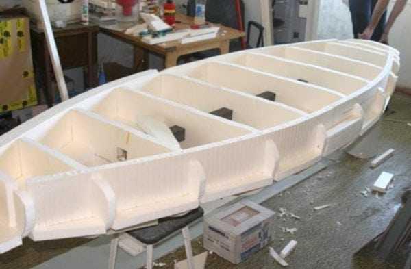Склеивание лодки из пенопласта