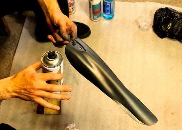 Нанесение краски на пластик
