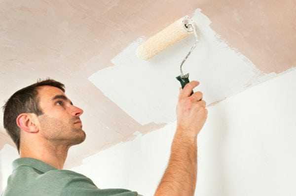 Покраска потолка из гипсокартона