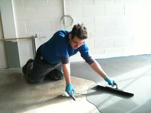Предварительное грунтование обеспечивает лучшее растекание наливного пола по поверхности