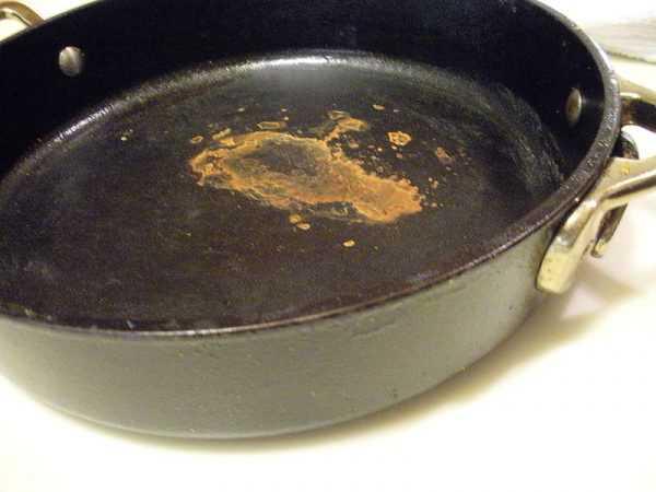 Появление пятен ржавчины на сковороде