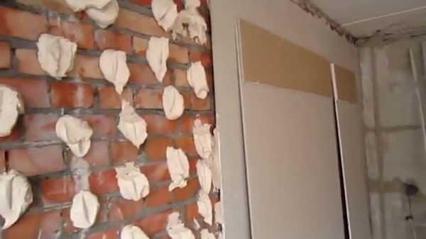 Приклейка ГКЛ на кирпичную стену